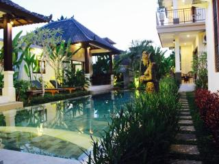 6 bedroom Villa with Housekeeping Included in Peliatan - Peliatan vacation rentals