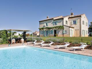 8 bedroom Villa in Piagge, Marches, Marches Countryside, Italy : ref 2040388 - Piagge vacation rentals