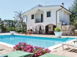 3 bedroom Villa in Martina Franca, Apulia, Italy : ref 2040535 - Villa Castelli vacation rentals