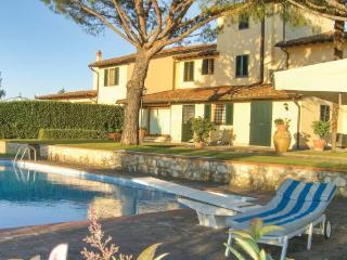 6 bedroom Villa in San Martino Alla Palma, Tuscany, Florence, Italy : ref 2040872 - San Martino alla Palma vacation rentals
