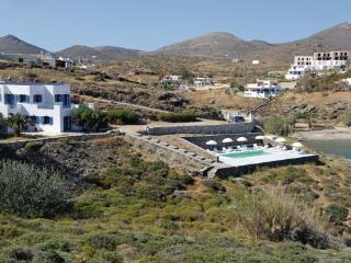 6 bedroom Villa in Ambela Syros, Cyclades, Syros, Greece : ref 2041077 - Abela vacation rentals