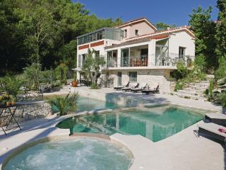 3 bedroom Villa in Eze, Cote D Azur, Alps, France : ref 2041142 - Eze vacation rentals