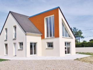 3 bedroom Villa in SaintGermain/Ay Plage, Normandy, Manche, France : ref 2041196 - Bretteville-sur-Ay vacation rentals