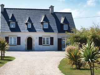 5 bedroom Villa in Kerlouan, Brittany - Northern, Finistere, France : ref - Kerlouan vacation rentals