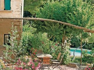 3 bedroom Villa in Gigondas, Provence drOme ardEche, Vaucluse, France : ref 2041241 - Sablet vacation rentals