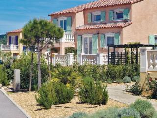 4 bedroom Villa in Vidauban, Cote D Azur, Var, France : ref 2041328 - Vidauban vacation rentals