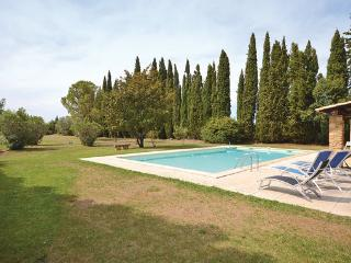 5 bedroom Villa in Camaret sur Aigues, Provence drOme ardEche, Vaucluse, France : ref 2041424 - Travaillan vacation rentals