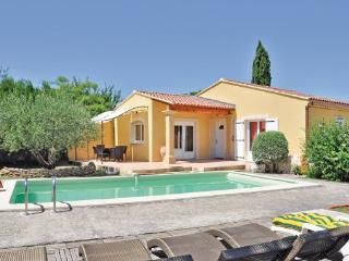 2 bedroom Villa in Cabannes, Provence drOme ardEche, Bouches-du-rhone, France - Cabannes vacation rentals