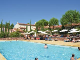 3 bedroom Apartment in Saint Endreol, Cote D Azur, Var, France : ref 2041713 - Le Muy vacation rentals