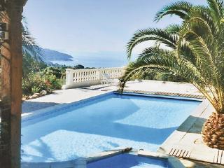 2 bedroom Villa in La Croix Valmer, Cote D Azur, Var, France : ref 2041714 - La Croix-Valmer vacation rentals