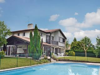3 bedroom Villa in Ascain, Aquitaine, Pyrenees, France : ref 2041819 - Ascain vacation rentals