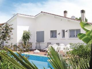 4 bedroom Villa in Le Porge, Aquitaine, Gironde, France : ref 2041826 - Le Porge vacation rentals