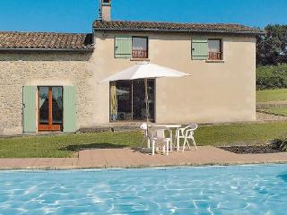 3 bedroom Villa in Saint Gemme, Aquitaine, Gironde, France : ref 2041843 - Sainte-Gemme vacation rentals
