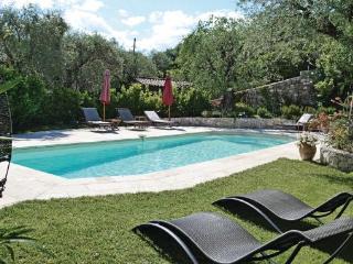 4 bedroom Villa in Grasse, Cote D Azur, Alps, France : ref 2041870 - Grasse vacation rentals