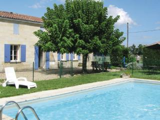 3 bedroom Villa in Abzac, Aquitaine, Gironde, France : ref 2042015 - Abzac vacation rentals