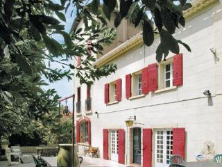 4 bedroom Villa in Aix en Provence, Provence drOme ardEche, Bouches-du-rhone, France : ref 2042034 - Paluds de Noves vacation rentals