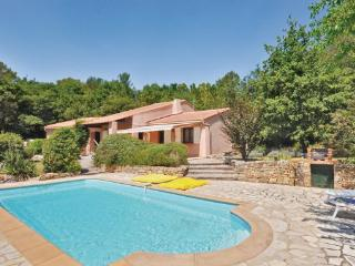 3 bedroom Villa in Bagnols en Foret, Cote D Azur, Var, France : ref 2042087 - Saint-Paul-en-Foret vacation rentals