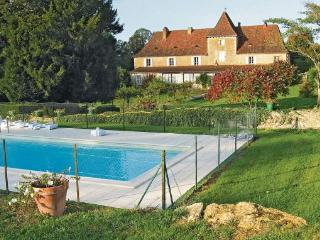 5 bedroom Villa in Cenac, Aquitaine, Dordogne, France : ref 2042099 - Cenac-et-Saint-Julien vacation rentals