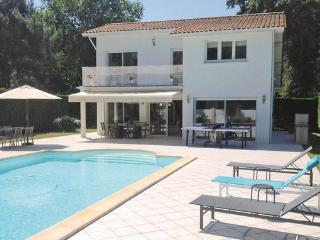 5 bedroom Villa in Lege Cap Ferret, Aquitaine, Gironde, France : ref 2042212 - Cap-Ferret vacation rentals