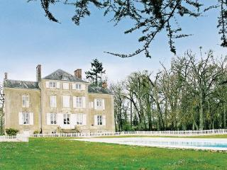 8 bedroom Villa in Saint Michel De Chavaighes, Pays De La Loire, Sarthe, France - Avoise vacation rentals