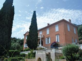 5 bedroom Villa in Hyeres, Cote D Azur, Var, France : ref 2042236 - Hyères vacation rentals