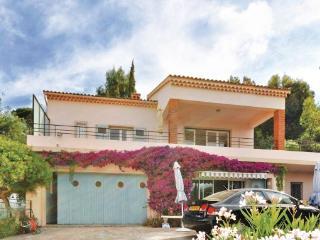 2 bedroom Villa in Le Lavandou, Cote D Azur, Var, France : ref 2042281 - Le Lavandou vacation rentals