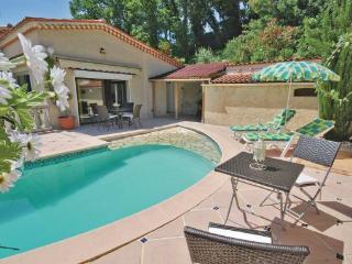 2 bedroom Villa in Les Adrets, Cote D Azur, Var, France : ref 2042329 - Les Adrets-de-l'Esterel vacation rentals
