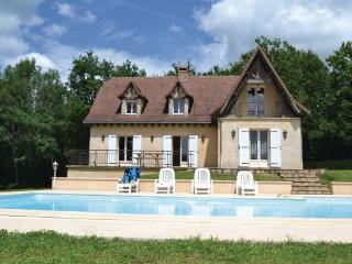 4 bedroom Villa in La Chapelle, Aquitaine, Dordogne, France : ref 2042420 - Savignac-Ledrier vacation rentals