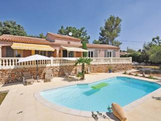 4 bedroom Villa in Gareoult, Cote D Azur, Var, France : ref 2042463 - Gareoult vacation rentals