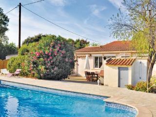 3 bedroom Villa in La Seyne Sur Mer, Cote D Azur, Var, France : ref 2042569 - Six-Fours-les-Plages vacation rentals
