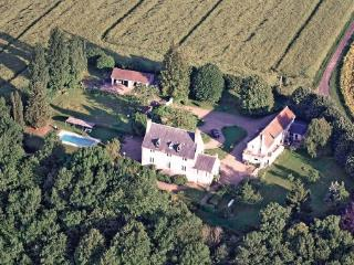 3 bedroom Villa in La Chartre sur le Loir, Pays De La Loire, Sarthe, France - La Chartre Sur Le Loir vacation rentals