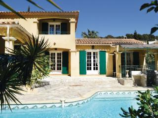 5 bedroom Villa in Le Brusc, Cote D Azur, Var, France : ref 2042595 - Six-Fours-les-Plages vacation rentals