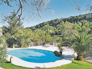 2 bedroom Villa in Biot, Cote D Azur, Alps, France : ref 2042653 - Biot vacation rentals