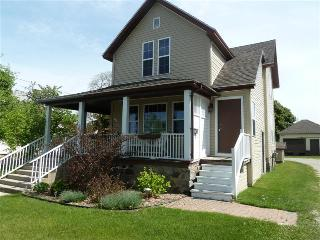 Perfect 2 bedroom Vacation Rental in Saint Ignace - Saint Ignace vacation rentals