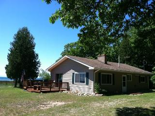 Pte. Aux Shaw Cottage on Lake Michigan - Saint Ignace vacation rentals
