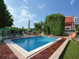 6 bedroom Villa in Split, Central Dalmatia, Croatia : ref 2043001 - Trilj vacation rentals