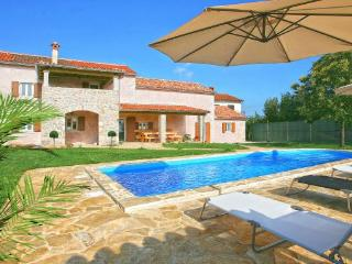 4 bedroom Villa in Barban Juricev Kal, Istria, Barban, Croatia : ref 2043012 - Prhati vacation rentals