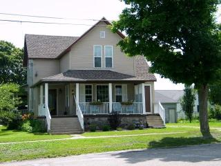 4 bedroom House with Deck in Saint Ignace - Saint Ignace vacation rentals