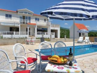 4 bedroom Villa in Omis Trnbusi, Central Dalmatia, Omis, Croatia : ref 2043062 - Central Dalmatia vacation rentals