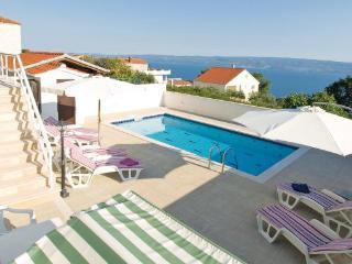 3 bedroom Villa in Omis, Central Dalmatia, Croatia : ref 2043071 - Krilo vacation rentals