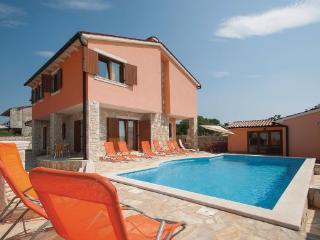 5 bedroom Villa in Barban, Istria, Croatia : ref 2043077 - Orihi vacation rentals