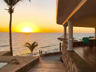 Casa Del Sol-a serene beachfront paradise - Los Barriles vacation rentals