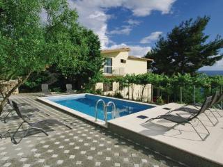 8 bedroom Villa in Omis, Central Dalmatia, Croatia : ref 2043091 - Omis vacation rentals