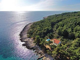 8 bedroom Villa in Korcula, South Dalmatia, Croatia : ref 2043095 - Lumbarda vacation rentals