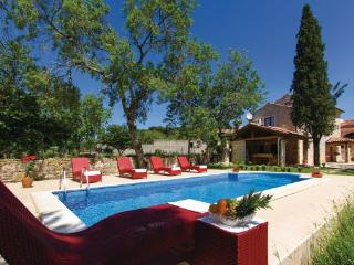3 bedroom Villa in Barban Manjadvorci, Istria, Barban, Croatia : ref 2043190 - Manjadvorci vacation rentals