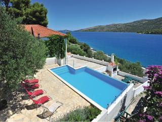 6 bedroom Villa in Trogir Poljica, Central Dalmatia, Trogir, Croatia : ref - Marina vacation rentals