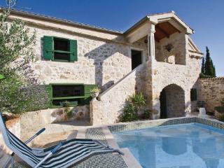 4 bedroom Villa in Pasman, Northern Dalmatia, Croatia : ref 2043396 - Zdrelac vacation rentals