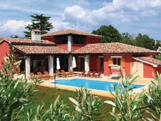 7 bedroom Villa in Vodnjan, Istria, Croatia : ref 2043422 - Jursici vacation rentals