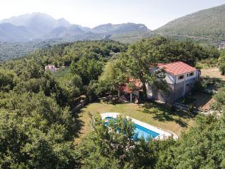 3 bedroom Villa in Omis Slime, Central Dalmatia, Omis, Croatia : ref 2043497 - Slime vacation rentals