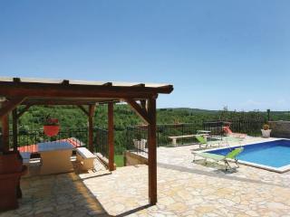 4 bedroom Villa in Buje Momjan, Istria, Buje, Croatia : ref 2043800 - Momjan vacation rentals
